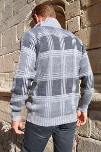 Magnifique couleur gris pour ce pull homme en laine alpaga